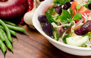 Bill Bailey Reveals 3 Top Healthy U.S. Restaurants to Start the New Year Right